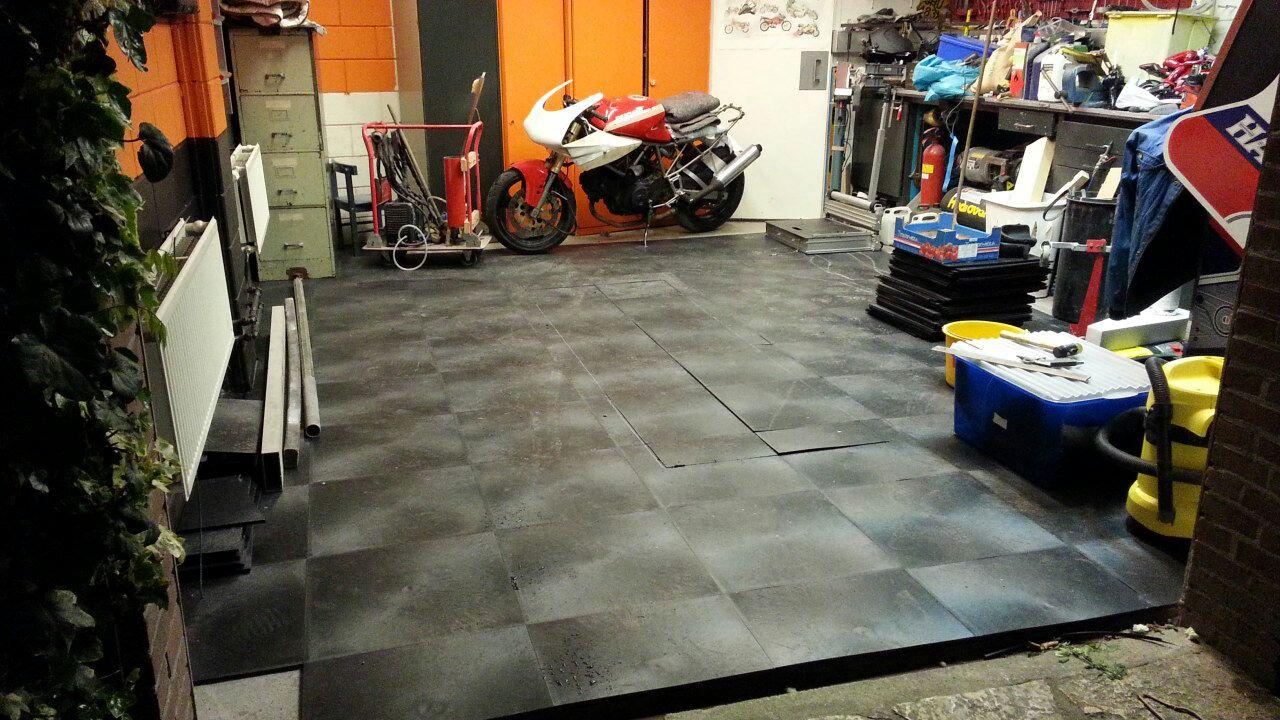 Garagevloer, werkplaatsvloer, PVC vloer, PVC tegelvloer